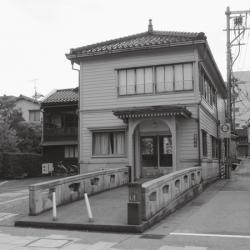 男たちの桃源郷(2)今でも遊郭時代をしのばせる建物が残る