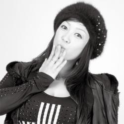 小向美奈子「ナマ搾りインタビュー100%H果汁」Vol.1 AVに出るたびにスライム乳を伸ばされもはや収拾つかず
