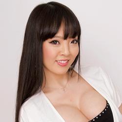 Hitomi「ナマ搾りインタビュー100%H果汁」Vol.1 限度を超えてオッパイが大きくなると普通の男はどう扱って…