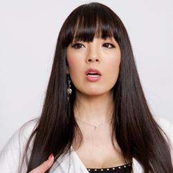 Hitomi「ナマ搾りインタビュー100%H果汁」Vol.2 ブラジャーが信じられないほど高いです(泣)