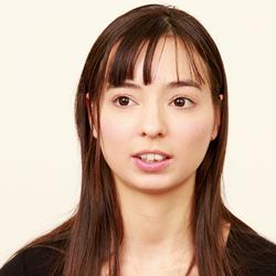 西田カリナ「ナマ搾りインタビュー100%H果汁」Vol.2 卑猥な感じを書くのが大好きなんです(笑)