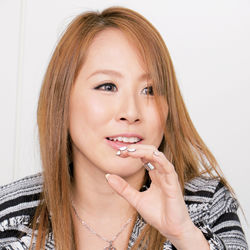 北川エリカ「ナマ搾りインタビュー100%H果汁」Vol.2 素人の男性にも顔射を上手にさせてあげる(笑)