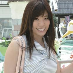 星井笑「ナマ搾りインタビュー100%H果汁」Vol.1 このオッパイは女友達にも大人気でした