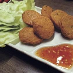 【一杯酒場】 東京・青井「タイ料理とカラオケ サンサン」