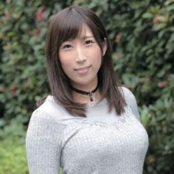 彩奈リナ ナマ搾りインタビュー100%H果汁」Vol.1 「Hカップの爆乳女優が性癖をナマ告白」