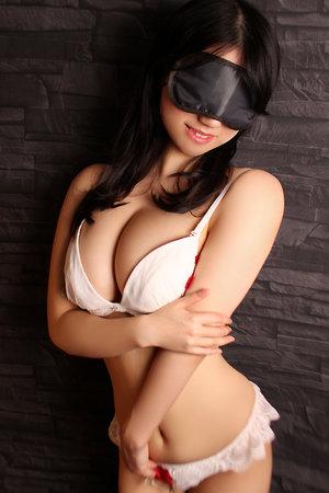 五反田「SUPER全裸エキサイティング!」 上着を脱げばいきなり全裸!即ディープキス!即パックンチョ!欲望に直結!