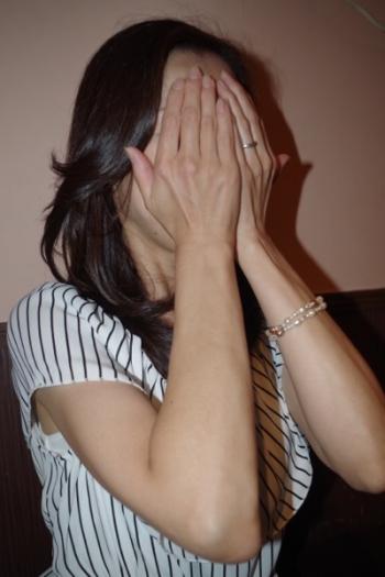 ふ~ぞく探偵ハラ・ショーが行く 報告書No.164 新橋・オナクラ&手コキ 「39歳スレンダー奥様」の乳首舐め&手コキの攻めで強制潮吹き絶頂を体験!