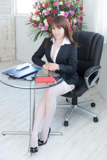 吉原・ソープランド「秘書室」 知性と気品を漂わせた秘書が、服を脱げばエロス全開!欲情にまみれた濃厚プレイ!