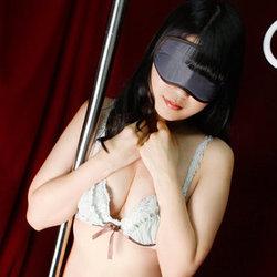 上野・ホテヘル「いたずら痴漢電車」 吊り革につかまったアイマスクの女の子…新規限定で特別割引プランをご用意
