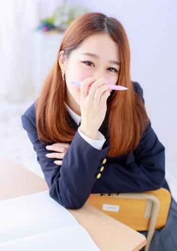 梅田・手コキ専門店「コスパラ」 メイド、体操着、スクール水着etc、多彩な衣装!女の子のルックスはハイレベル設定!
