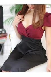 鉄板の美少女。AKB渡辺麻友似の読者モデル。